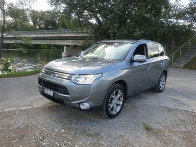 gebraucht Mitsubishi Outlander 2.2 DID Intense Safety 4WD Automatic