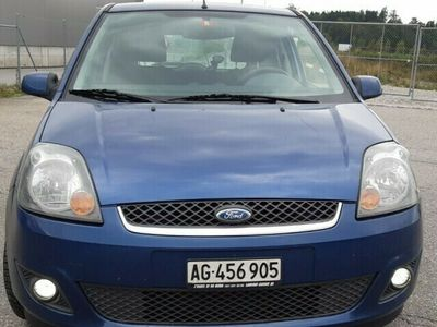 gebraucht Ford Fiesta 1.4 16V Trend