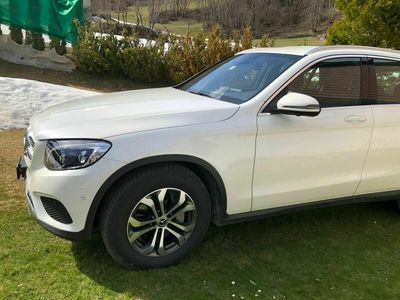gebraucht Mercedes GLC300 4Matic Exclusive 9G-Tronic