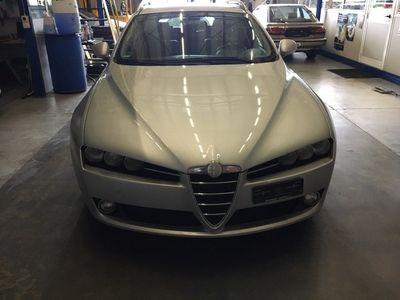 gebraucht Alfa Romeo 159 Sportwagon 2.2 JTS Distinctive