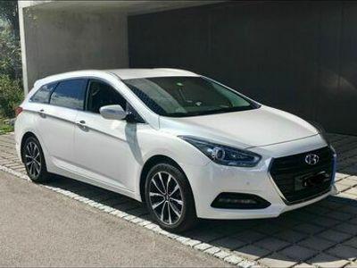 gebraucht Hyundai i40 Wagon 1.7 CRDi 141 Amplia