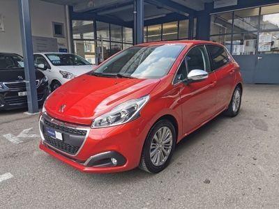 gebraucht Peugeot 208 1.2 PureTech Allure EAT6