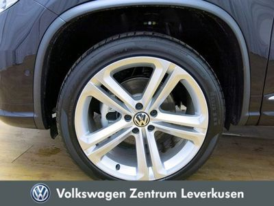 gebraucht VW Tiguan 2.0 TDI Lounge DSG NAVI AHK KLIMA PDC
