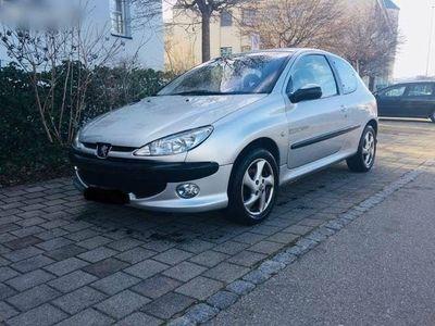 gebraucht Peugeot 206 Sparsam und zuverlässig, Nichtraucher Auto!