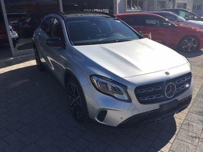 gebraucht Mercedes GLA250 Urban 4m
