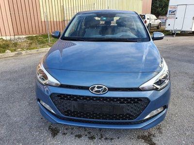 gebraucht Hyundai i20 1.2 Amplia