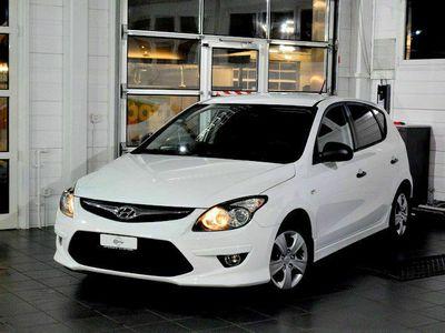 gebraucht Hyundai i30 1.6 Style / SEHR GUTER ZUSTAND / 8XKOMPLETTRÄDER / AB MFK 11.2020 / EINLÖSEN UND LOS FAHREN