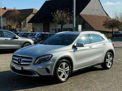 gebraucht Mercedes GLA220 d 4Matic 7G-DCT