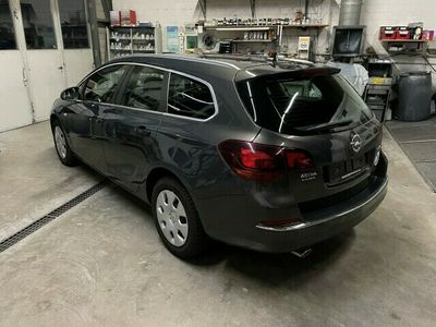 gebraucht Opel Astra SportsTourer 1.4i 16V Turbo Cosmo