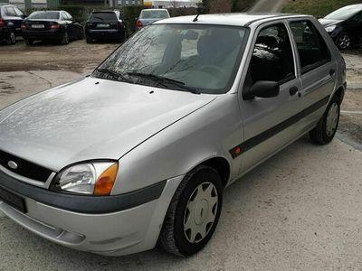 gebraucht Ford Fiesta Fiesta 1.2 16V mit 108500 k.m1.2 16V mit 108500 k.m