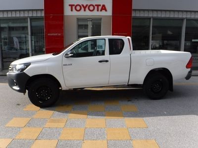 gebraucht Toyota HiLux 2.4 Comfort Extra-Cab 4x4 Pickup
