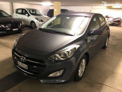 gebraucht Hyundai i30 CRDI mit Werksgarantie