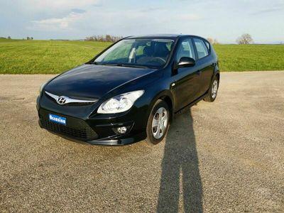 gebraucht Hyundai i30 i30 1.4 frisch ab Service und MFK1.4 frisch ab Service und MFK
