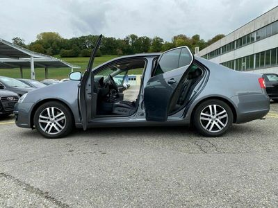 gebraucht VW Jetta 2.0 FSI Turbo Sportline