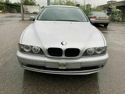gebraucht BMW 520 5er i Benzin Jargang 08.2001 MFK 17.05.2018 Kilometer 2670