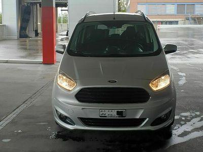 gebraucht Ford Tourneo Courier 1.0 SCTi Titanium