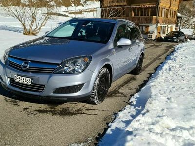 gebraucht Opel Astra Caravan (Kombi) Anhängerkupplung + 8-fach Bereift