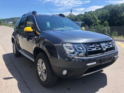 gebraucht Dacia Duster 1.6 Celebration 4x4 'BLACKSTORM'