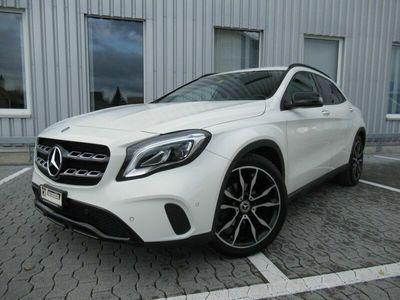 gebraucht Mercedes GLA200 GLA-Klasse GLA 200 Night Star 7G-DCT GLA-KlasseNight Star 7G-DCT