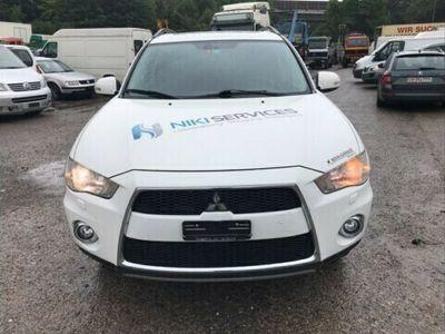 gebraucht Mitsubishi Outlander 2.2 DID Intense 4WD TC-SST