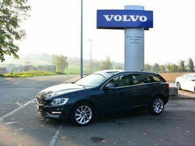 gebraucht Volvo V60 D4 Summum
