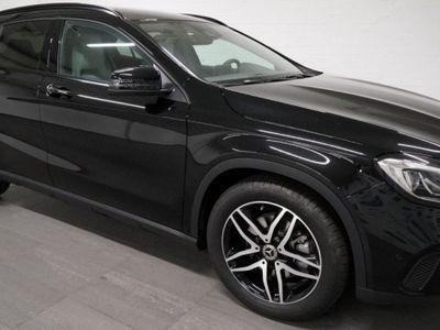 gebraucht Mercedes GLA220 Urban 4m
