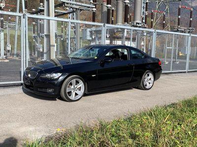 gebraucht BMW 330 i Coupé