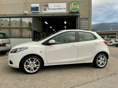 gebraucht Mazda 2 1.3 Exclusive solo 48000km