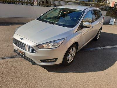 gebraucht Ford Focus 1.0 SCTi Trend Automatic