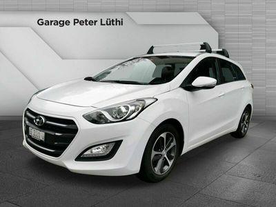 gebraucht Hyundai i30 Wagon 1.6 CRDi Amplia Automatic DCT