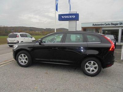 gebraucht Volvo XC60 D4 AWD Momentum Geartronic