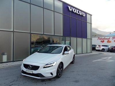 gebraucht Volvo V40 T3 Momentum R-Design