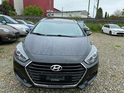 gebraucht Hyundai i40 Wagon 1.7 CRDI Amplia Automatic