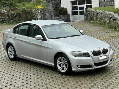 gebraucht BMW 325 3er i xDrive mit sehr wenig Km