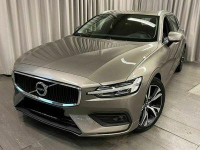 gebraucht Volvo V60 2.0 B4 Momentum