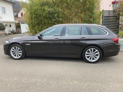 gebraucht BMW 520 5er d Touring xDrive Luxury Line Steptronic