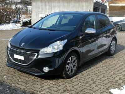 gebraucht Peugeot 208 - 49'800 km - 1.2 VTI Style 82 PS