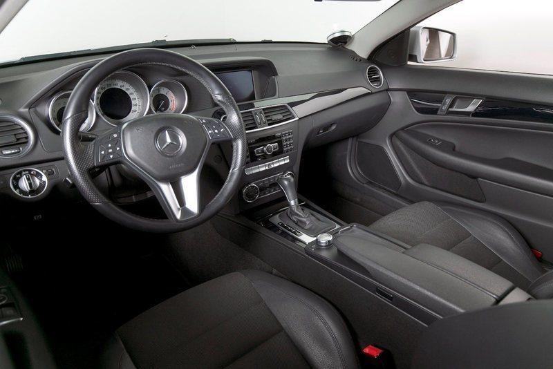 10e5acb4 1457 46d5 b61c 92aeb4f87ccd mercedes c220 2 2 cdi coupe aut be