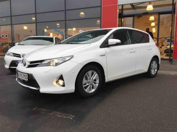 solgt toyota auris hybrid 1 8 vvt i brugt 2015 km i nordjylland. Black Bedroom Furniture Sets. Home Design Ideas