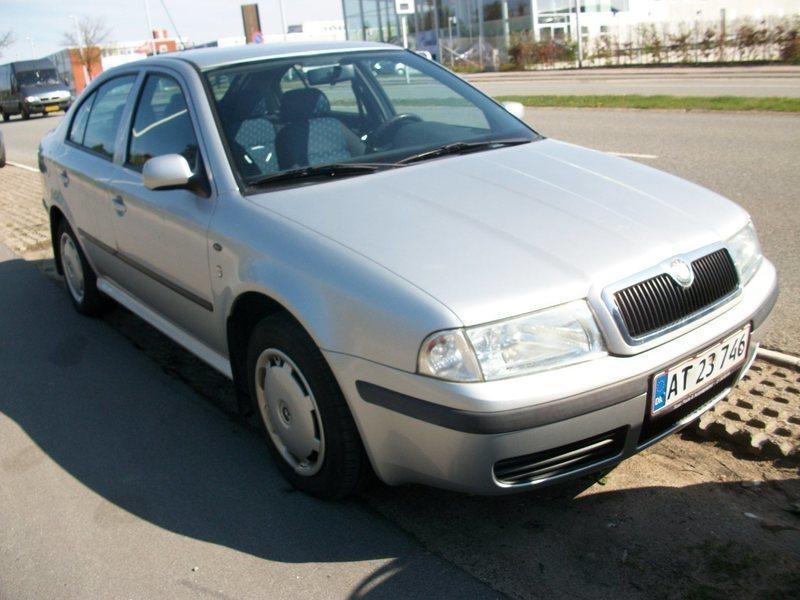 Brugt 2001 Skoda Octavia 1.6 Benzin kr. 23.595 - 2730 Herlev - AutoUncle
