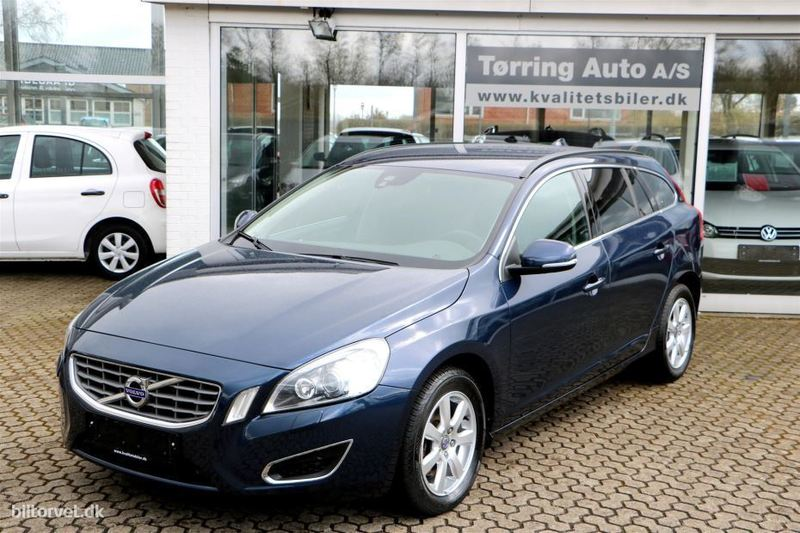 brugt Volvo V60 2,0 D4 Momentum AWD 163HK Stc 6g Aut.