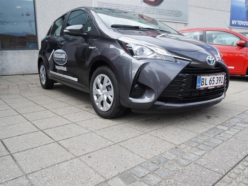 Solgt Toyota Yaris Hybrid 1,5 B/EL ., brugt 2017, km 3.000 i Hovedstaden