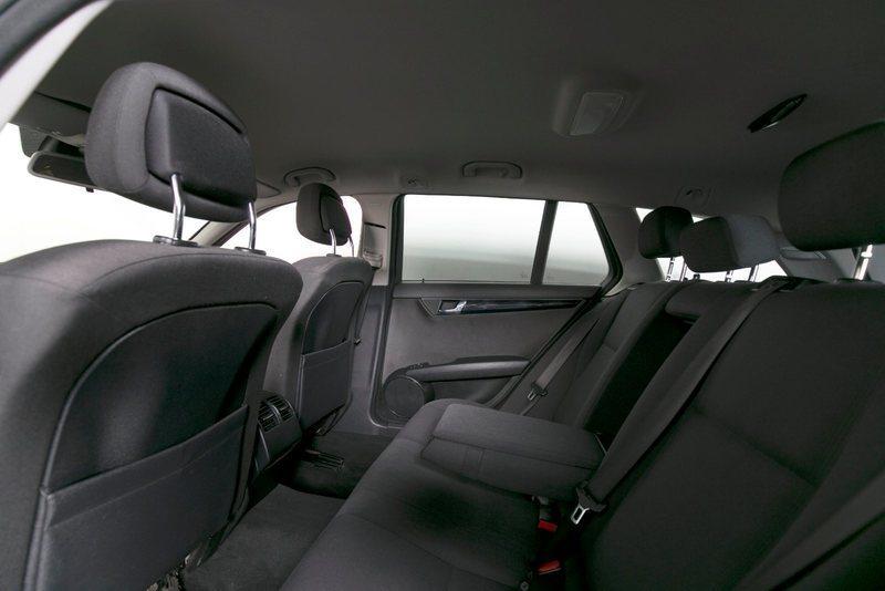 37083022 d821 4ab6 804f 0e60d059fcbd mercedes c180 1 8 komp classic st car aut
