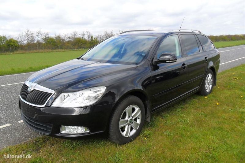 solgt skoda octavia 1 6 tdi greenli brugt 2010 km i lunderskov. Black Bedroom Furniture Sets. Home Design Ideas