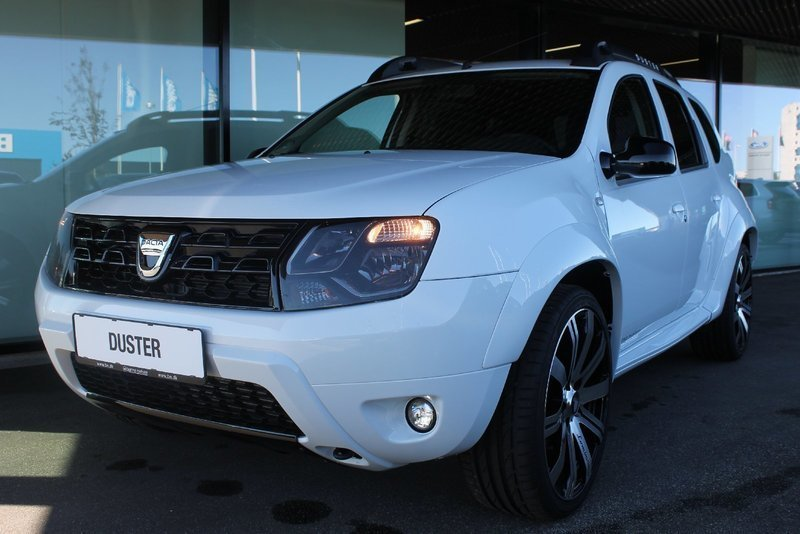 solgt dacia duster 1 2 tce 125 laur brugt 2016 km i herning. Black Bedroom Furniture Sets. Home Design Ideas
