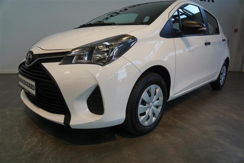 Solgt Toyota Yaris 1,3 VVT-I T1 100., brugt 2016, km 20.000 i Rødovre