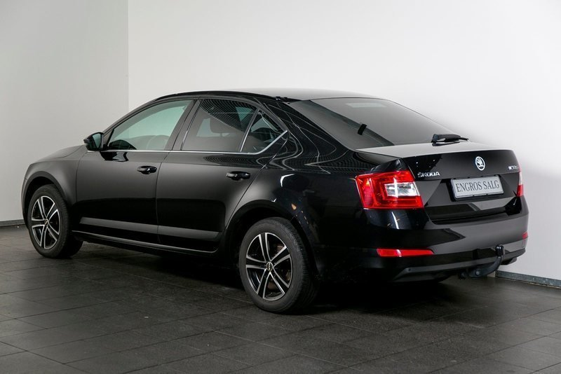 solgt skoda octavia 1 6 tdi 105 ele brugt 2013 km i vejle. Black Bedroom Furniture Sets. Home Design Ideas