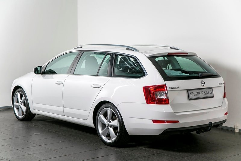 solgt skoda octavia 1 6 tdi 105 ele brugt 2014 km i vejle. Black Bedroom Furniture Sets. Home Design Ideas