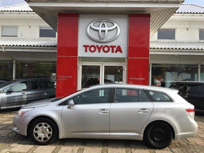 Solgt Toyota Avensis 1,8 VVT-I T2 1., brugt 2009, km 175.000 i Hovedstaden