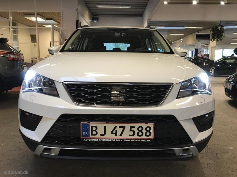 solgt seat ateca 1 4 tsi 150 style brugt 2017 km 0 i tilst. Black Bedroom Furniture Sets. Home Design Ideas